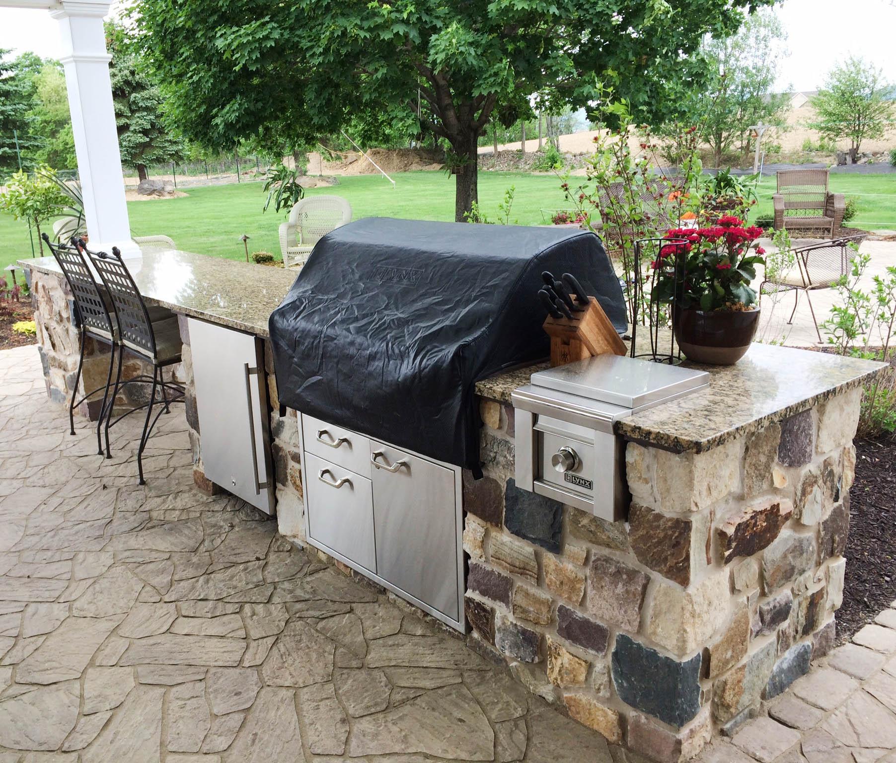 outdoor kitchen granite countertops