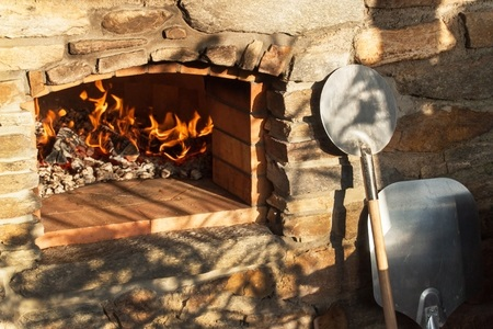 What to know about installing an outdoor wood-fired pizza oven