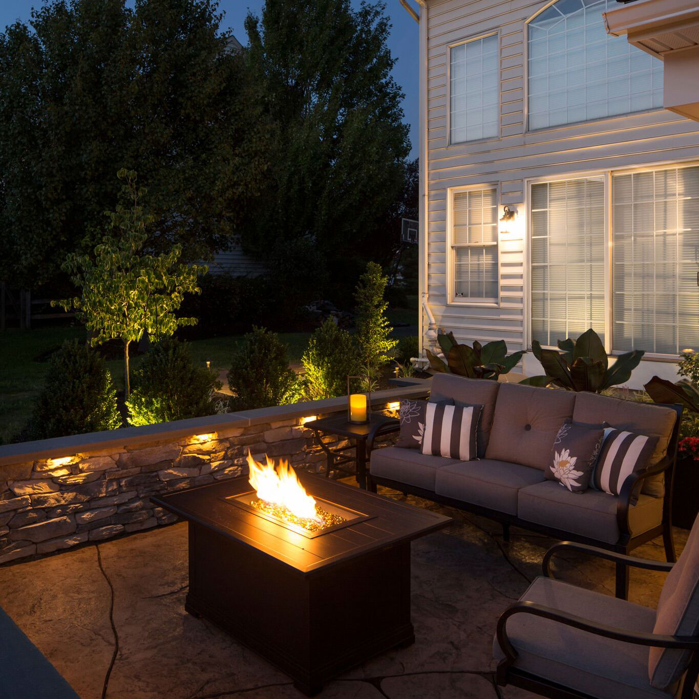 This Bethlehem family thoroughly enjoys their designated cozy patio lounge space. Learn more behind the inspiration for this space…