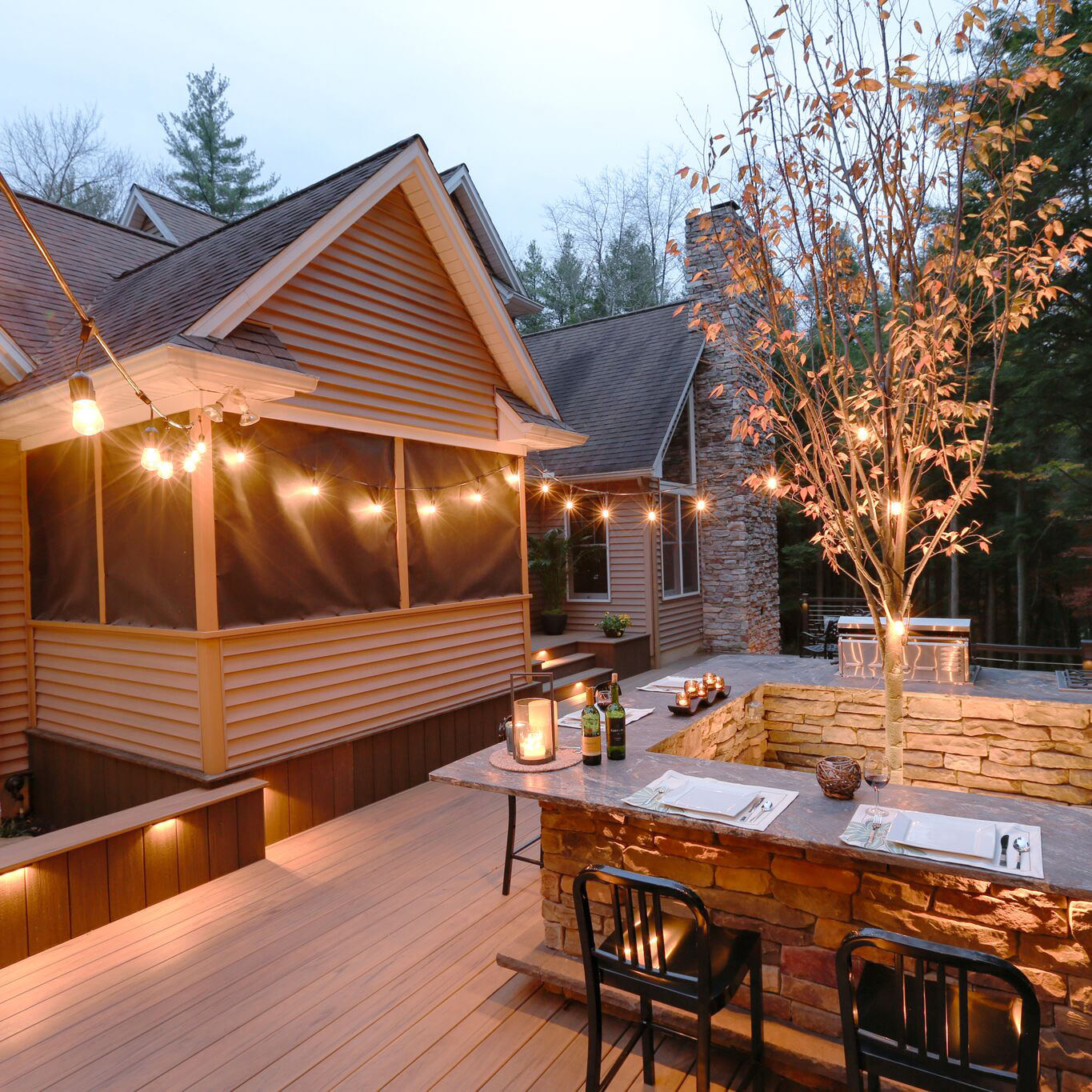 Outdoor dining never looked so good! Learn more about this MasterPLAN project that blends right into nature!