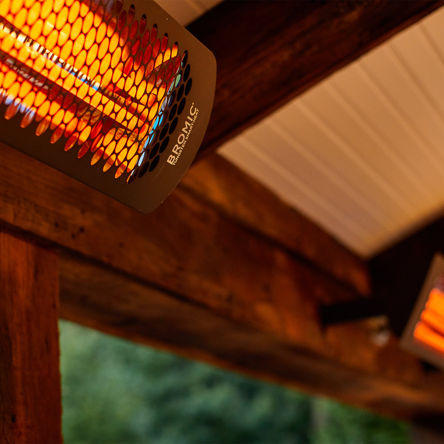 Bromic heaters are an aesthetic and effective way to heat outdoor living spaces, gaining 2 extra months in the spring and fall for comfortable outdoor enjoyment